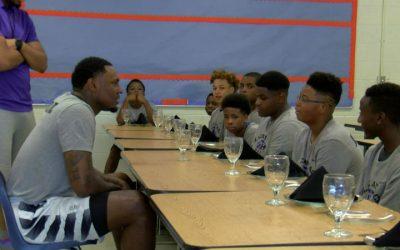 Mid-South basketball star helps kids make an impact